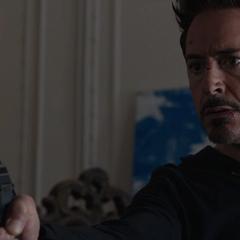 Stark descubre que Slattery es un falso Mandarín.