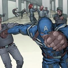 Rogers recibe la ayuda de Romanoff.