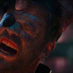 Thor es torturado por Thanos.