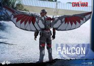 Falcon Civil War Hot Toys 4