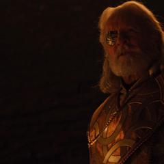 Odín se ve obligado a revelarle a Loki su origen.