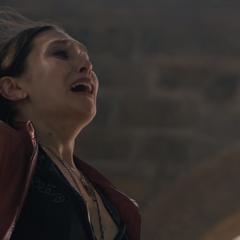 Wanda siente la muerte de su hermano Pietro.