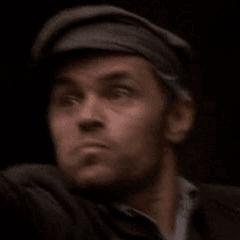 Marcello Walton como Vago cubriéndose #1
