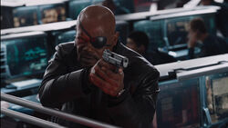 Nick-Fury-Helicarrier-Gunfight-Avengers