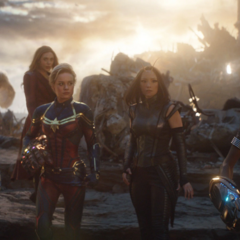 Danvers se reúne con otras heroínas para enfrentar al ejército de Thanos.