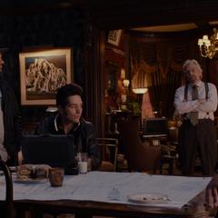 Luis, Dave y Kurt se unen a Pym para ayudarlo.