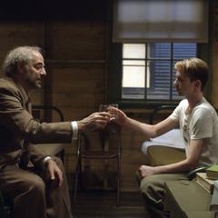 Rogers recibe una copa por Erskine.