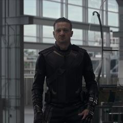 Barton se reúne con los Vengadores.