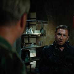 Blonsky se entera que Banner es Hulk.