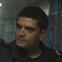 Mathew Lorenceau como Guardia gentil