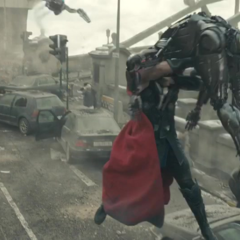 Thor confronta a múltiples Centinelas de Ultrón.