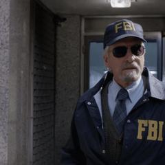 Pym y Hope consiguen escapar del FBI.