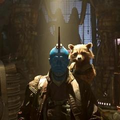 Rocket y Yondu se preparan para enfrentar a los Devastadores.