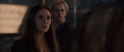 Scarlet-Witch-Meets-Vision-AAoU