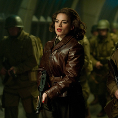 Carter dirige el asalto a la base de HYDRA.