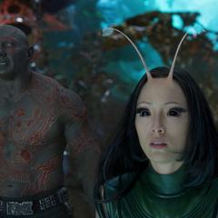 Mantis y Drax antes de reunirse con el resto de los Guardianes.