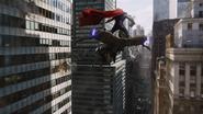 Thor rides Chitauri