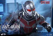 Ant-Man Civil War Hot Toys 17