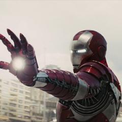 Stark trata de atacar a Vanko.