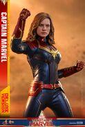 Captain Marvel Hot Toys 14