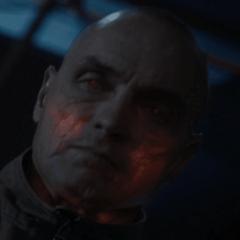 Dennis Keiffer como Soldado Extremis #4