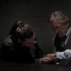 Pym y van Dyne tratan de escapar del FBI.