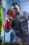 Hulk Nano Gauntlet Hot Toys 2
