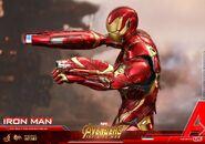 Iron Man IW Hot Toys 18