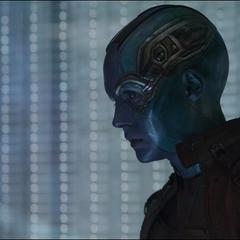 Nebula escucha la información proporcionada por Rocket.