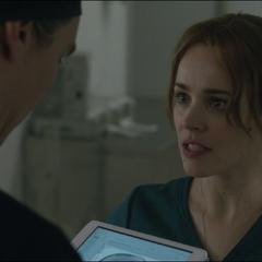 Palmer le pide a Strange un diagnóstico de su caso.