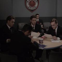 Strucker y sus compañeros tras realizar su examen final.