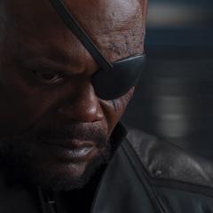 Fury ve a Stark sacrificarse.