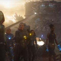 Shuri se reúne con otras heroínas para ayudar a Danvers.