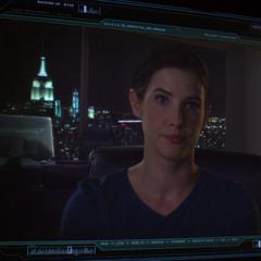Hill recibe la información obtenida por Coulson.