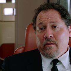 Hogan le recuerda a Parker que Stark lo eligió como sucesor.