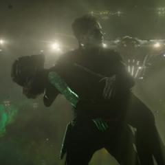 Quill y Gamora son rodeados por los Devastadores.
