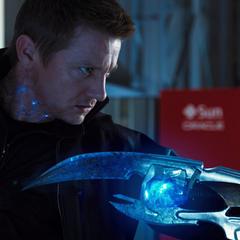 Barton es tocado por el Cetro de Loki.