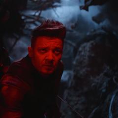 Barton en los escombros del Centro de los Nuevos Vengadores.