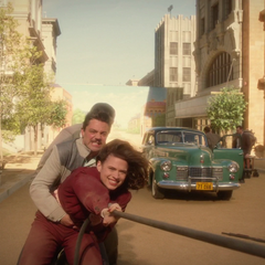 Stark intenta salvar la vida de Daniel Sousa.