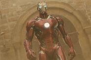 Avengers-2-iron-man-review-video