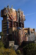 Guardians of the Galaxy - Mission BREAKOUT! (attraction) 002