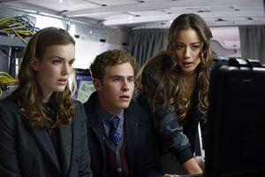 Marvel's Agents of S.H.I.E.L.D. Season 1 4
