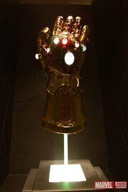 Infinity Gauntlet (Item) from Thor (film) 0001