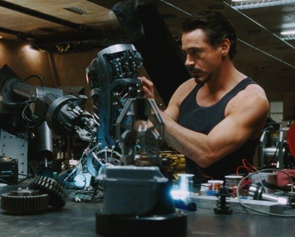 File:Anthony Stark (Earth-199999) from Iron Man (film) 011.jpg