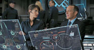 Avengers - Agent Hill & Agent Coulson 001