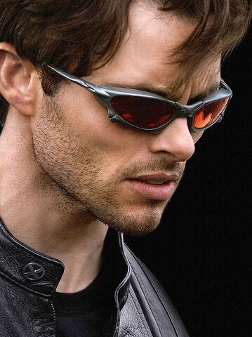 File:Cyclops x3.jpg