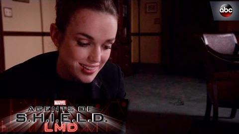 Kick@$$ Move of the Week Simmons vs. Senator Nadeer's Assistant - Marvel's Agents of S.H.I.E.L.D.