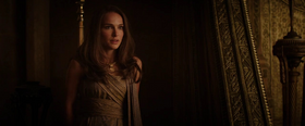 Jane Foster in Thor The Dark World 4