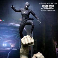 Hot Toys Spider-Man (Black Suit)