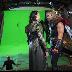 Behind the Scenes with Tom Hiddleston (Loki) and Chris Hemsworth (Thor).